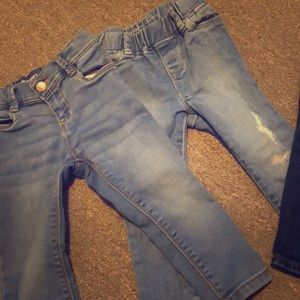 4 pairs of size 2T jeans from Baby Gap/Old Navy